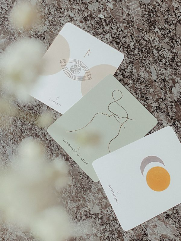 By Simone Stocker_Life Coach_Selbstliebe-Blossome journal-Ritual Tools Shop-Inner Compass Love Cards