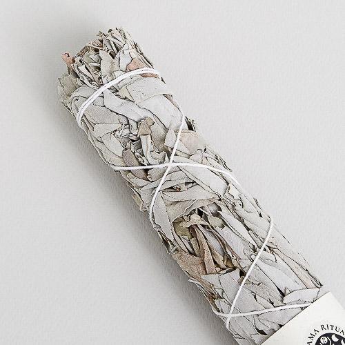 By Simone Stocker_Life Coach_Selbstliebe-Blossome journal-Ritual Tools Shop-Purnama Rituals-17